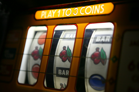 Choosing the Right Online Slot Machine for You – Poker